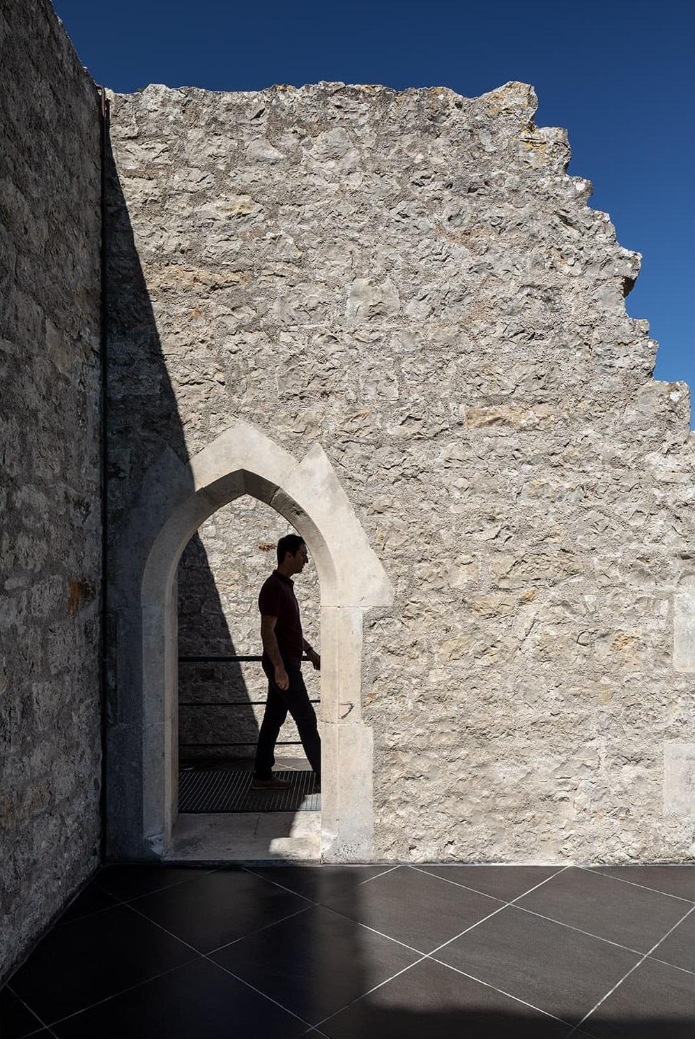 Castelo de Porto de Mós - Slabstone - Passagem 2