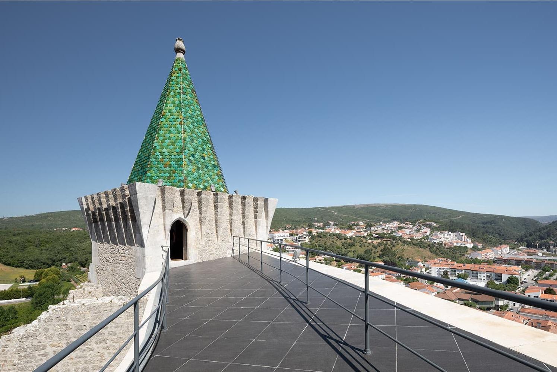 Castelo de Porto de Mós - Slabstone - Torre