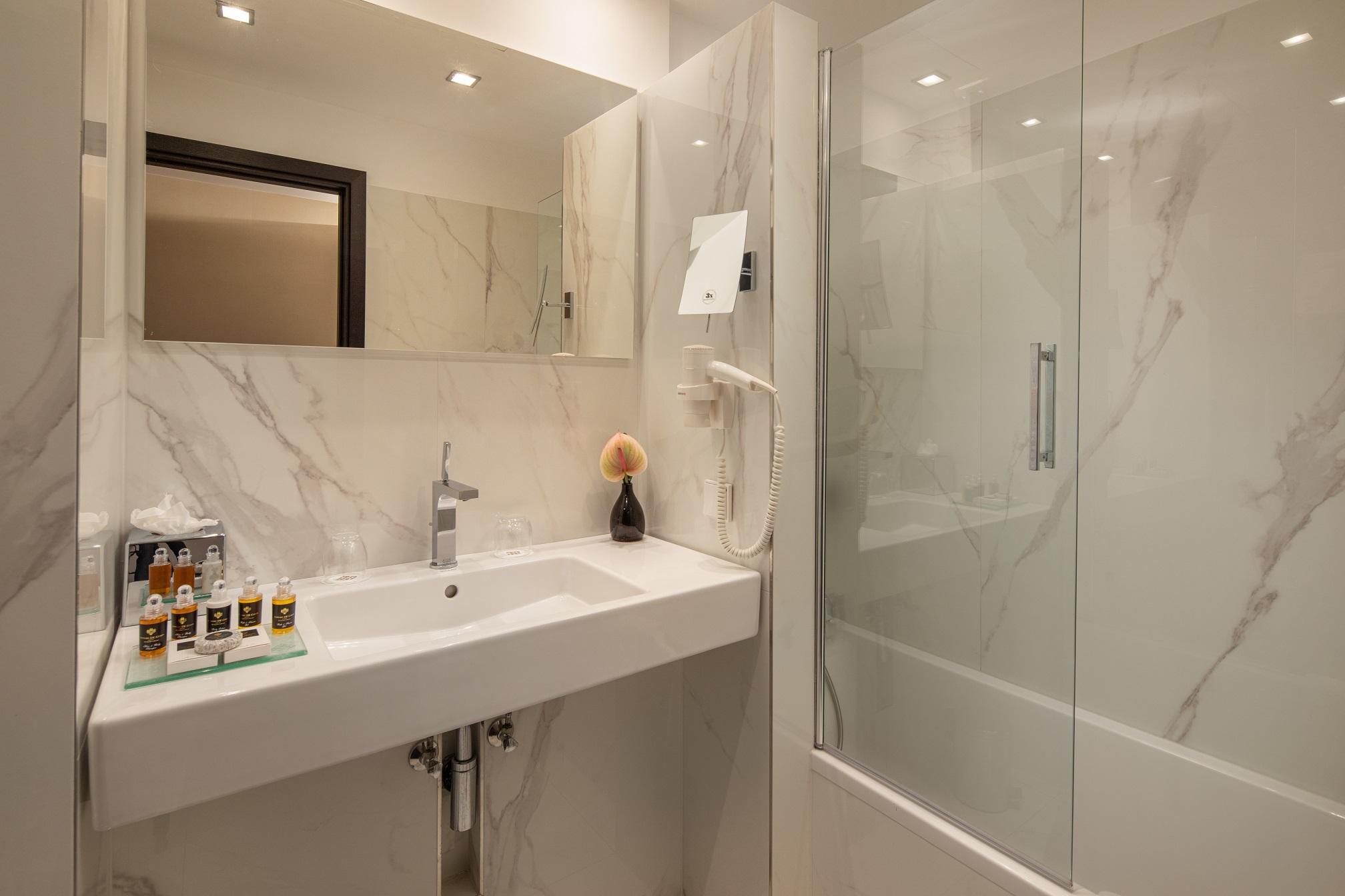 Hotel Continental Budapest - Casa de Banho - Executive - Linea Prestige