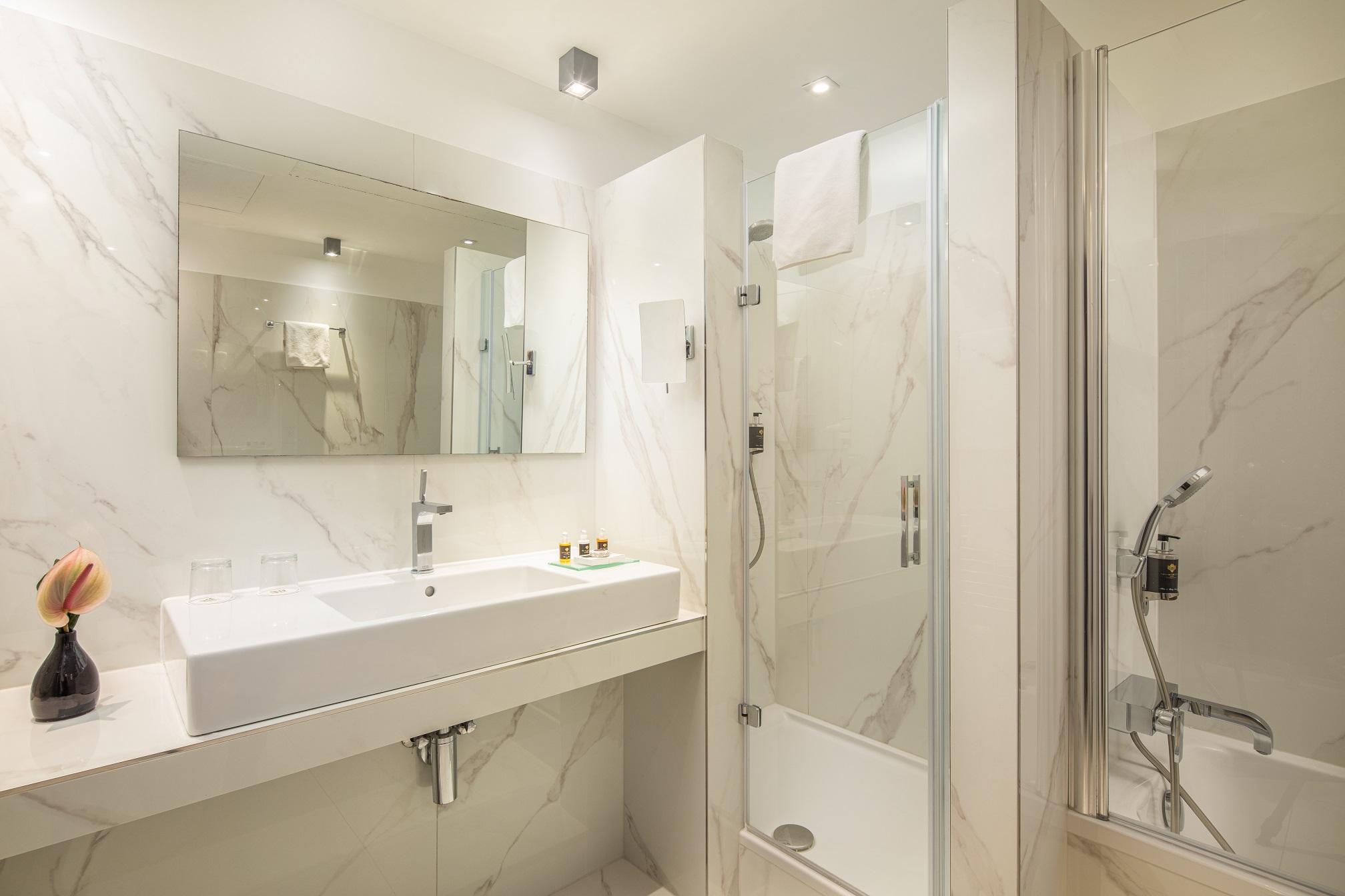 Hotel Continental Budapest - Casa de Banho - Linea Prestige Calacatta